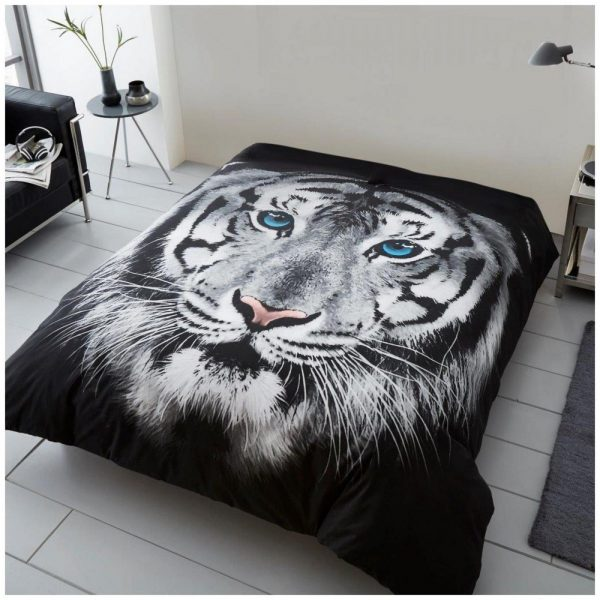 11132318 3d printed throw 150x200 tiger face white 1 2