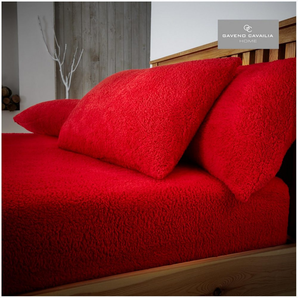 11158974 teddy pillow case red 1 1