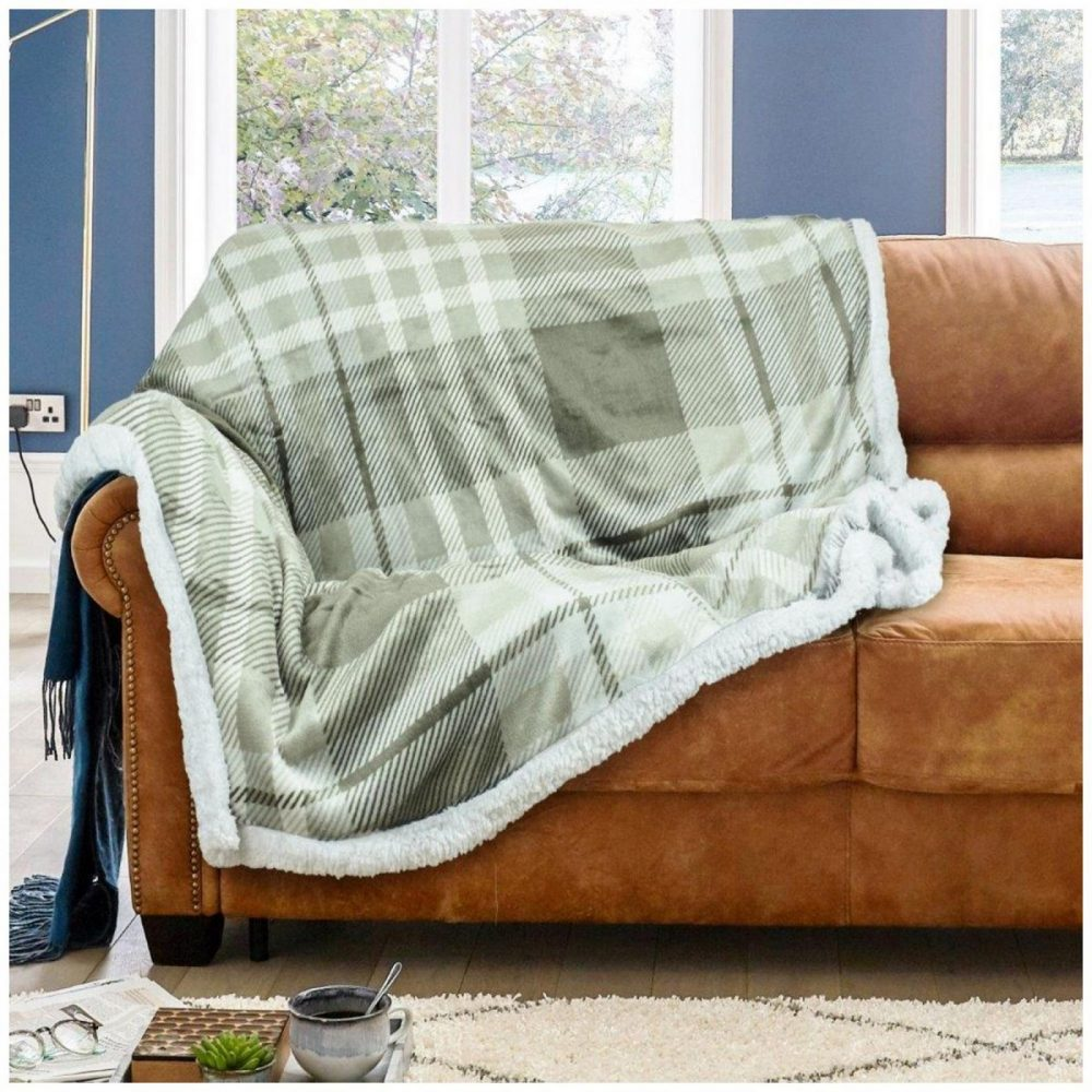 11166962 flannel throw wiltshire 150x200 navy natural 1 2