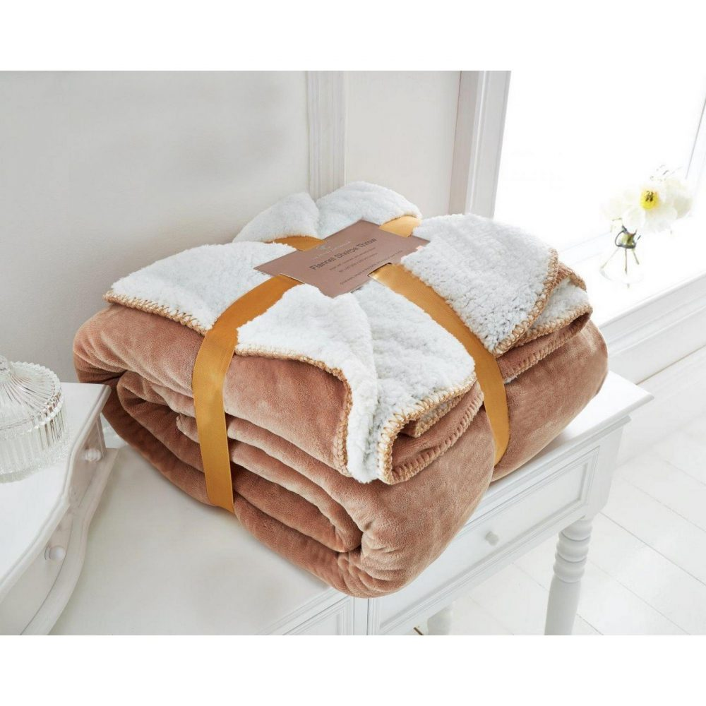 12090670 flannel sherpa throw 150x200 gold 1 2