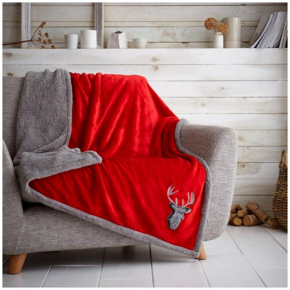 31370352 teddy throw stag head 130x180 red charcoal 1 1