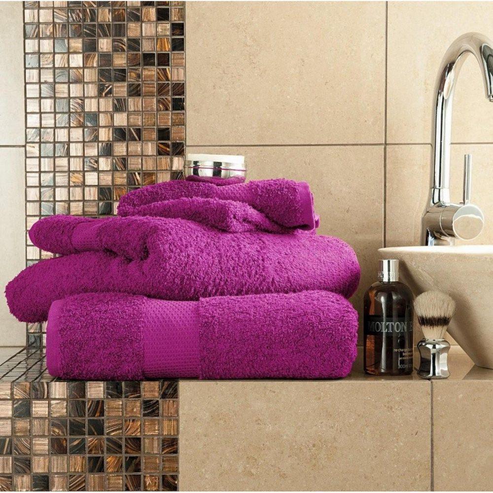 41044673 miami bath sheet 90x140 magenta 1