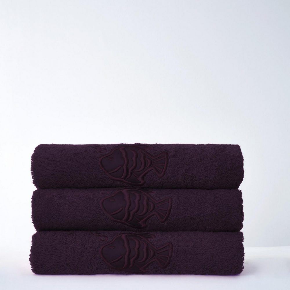 41066651 fish bath sheet purple 1 3